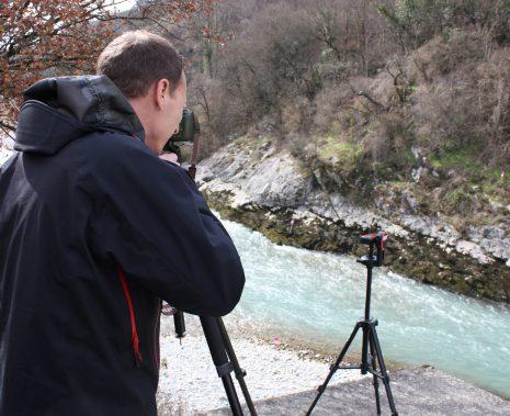 Prise d'images lors d'une campagne de jaugeage par appareil photo